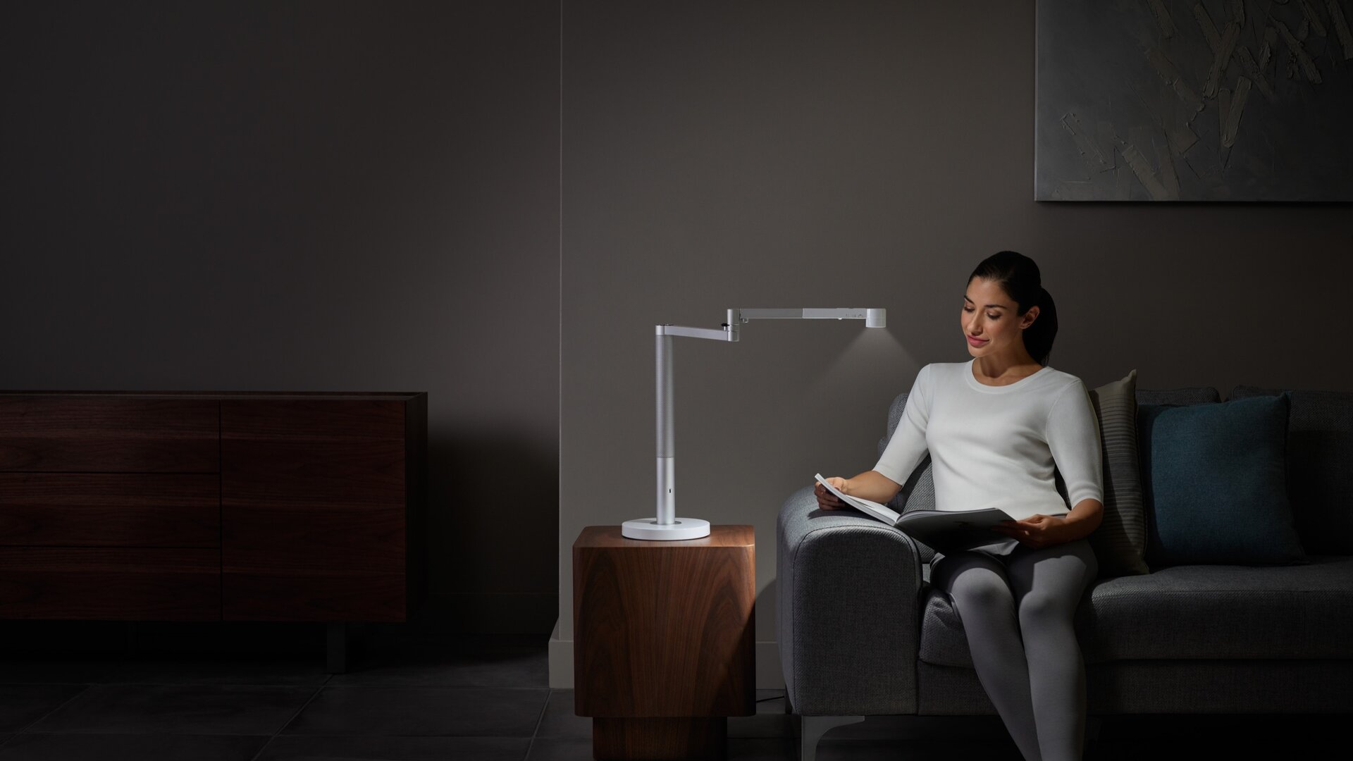 Dyson Lightcycle Morph_Desk_white_lifestyle 6